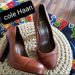Cole haan all  leather women's heel shoes size 9B